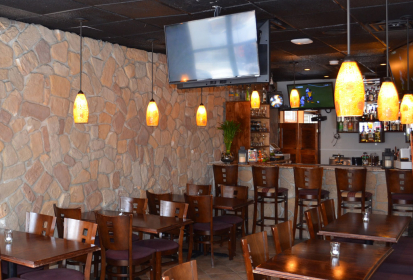 Lenos Bar & Grill: Sabor Colombiano